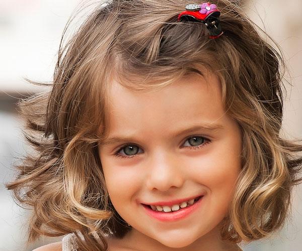 dziecieca fryzurka dla dziewczynki malej